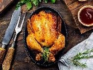 Пълнено печено пиле с булгур и лук на фурна